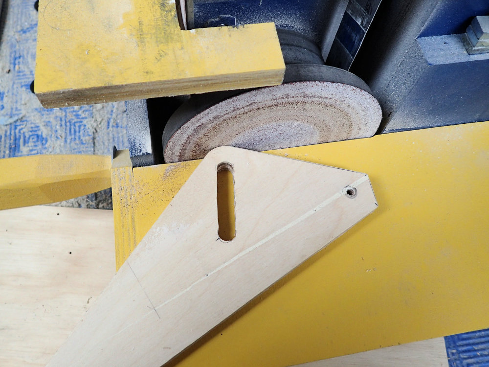 how to use a chainsaw sharpening jig