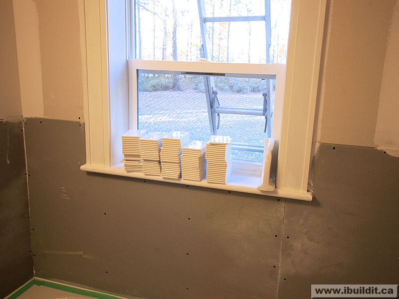 Ceramic Window Sills : Installing the ceramic tile tub surround my old house